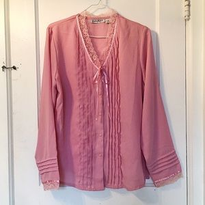 • VINTAGE • Pink Pleated Button Up Blouse w/Lace